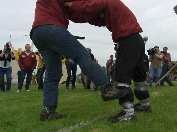 NDc4ODgyMzUxMjQ=_o_the-fine-art-of-competitive-shin-kicking
